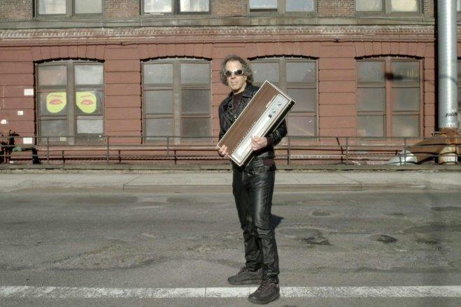 suicide-s-martin-rev-with-his-drum-machine-beatrepeat-nyc